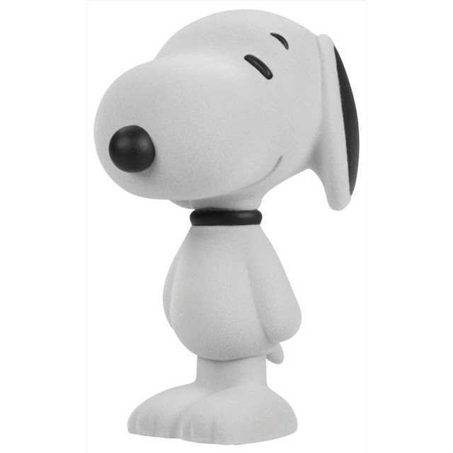 https://www.tenacioustoys.com/products/peanuts-snoopy-classic-white-flocked-5-5-vinyl-figure
