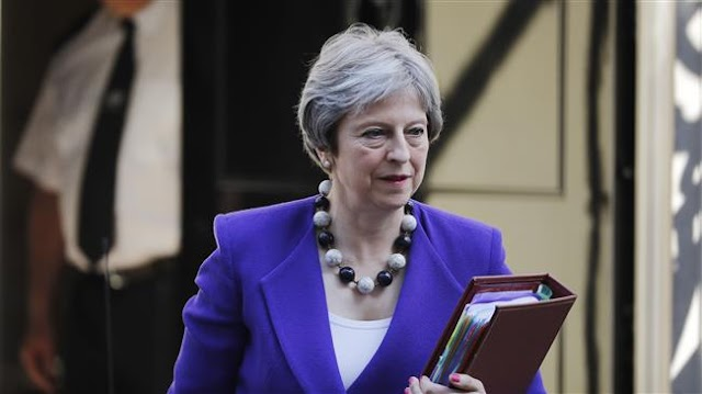 Brexit: Lords inflict embarrassing defeat on Theresa May government