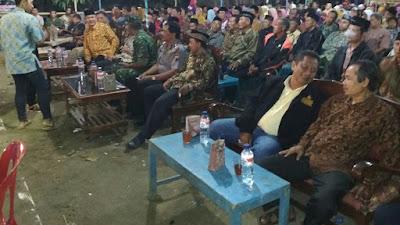 Anggota Polsek Pituruh Hadiri Acara Suronan Di Desa Kalimati