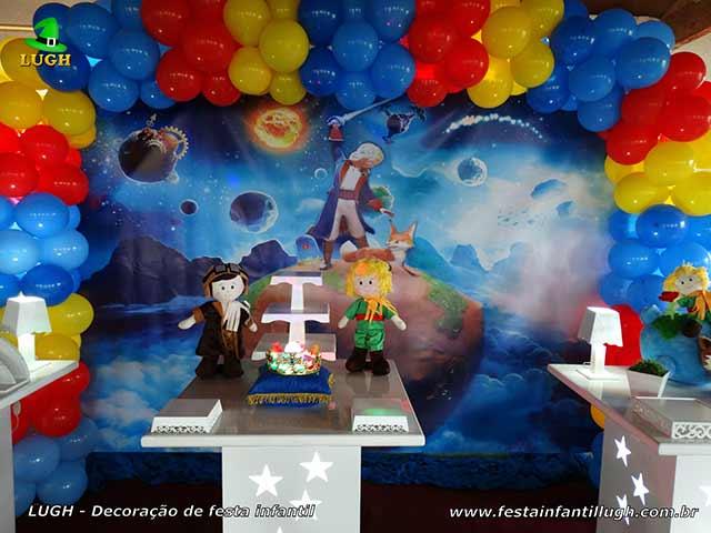 Mesa temática decorada de aniversário Pequeno Príncipe - Festa infantil