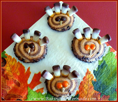 Thanksgiving Gobble Cookies | www.BakingInATornado.com | #Thanksgiving #recipe