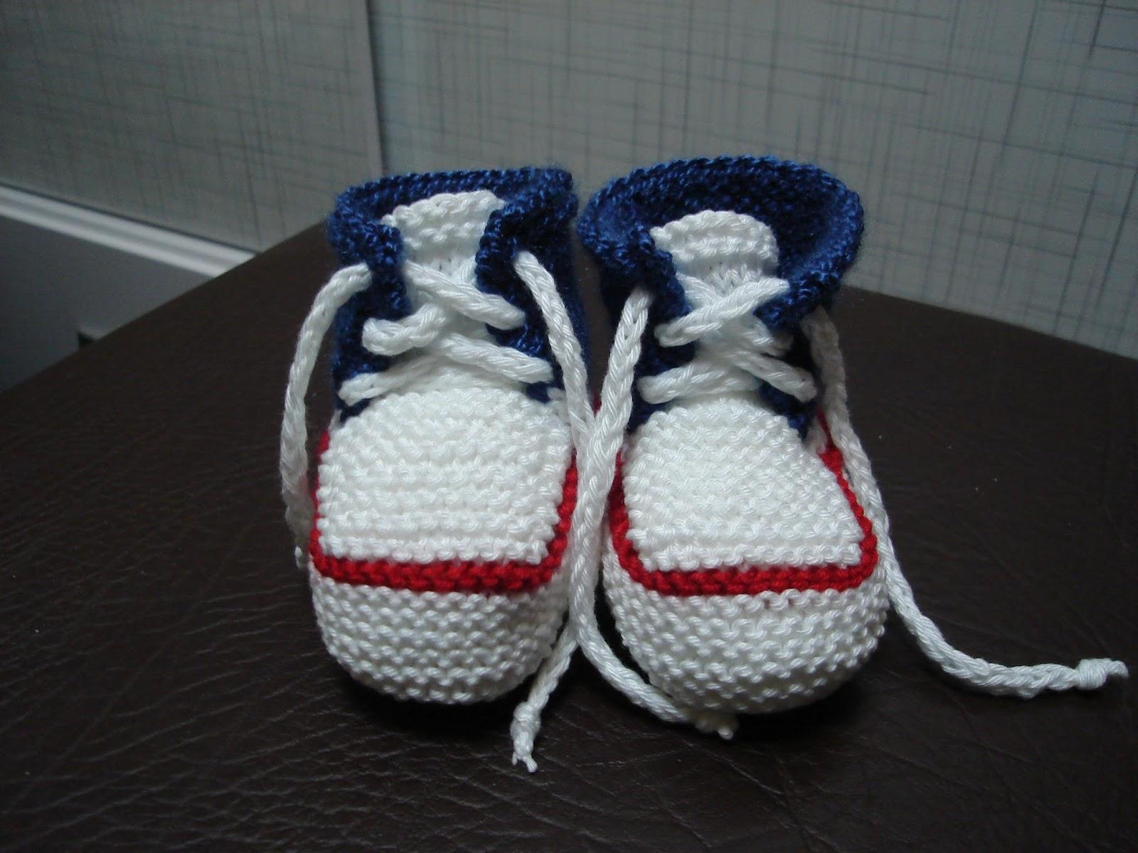 97811de3be102 Oficina da Regina.......  Tênis em tricô para bebês
