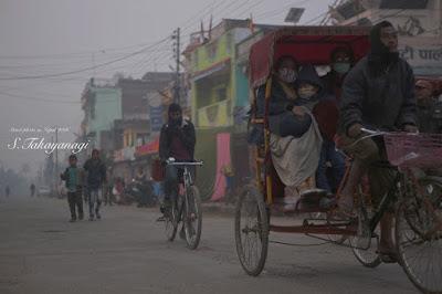 ネパールの地方都市の朝の様子