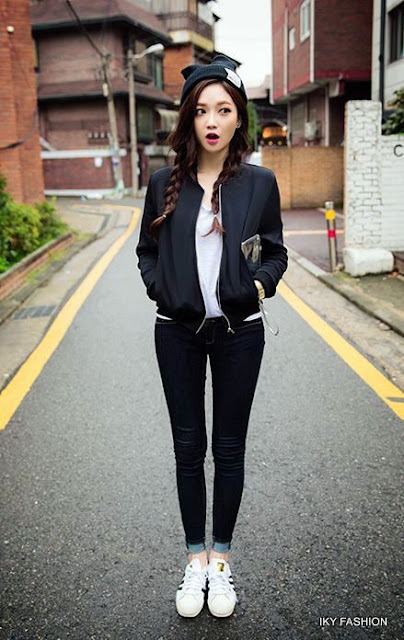 model Gaya Casual Black White ala korea