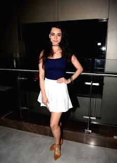 Actress Soundarya Sharma at the special screening of film Aiyaary (2)