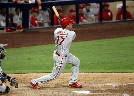 Rhys Hoskins hits a pair of homers, but Philadelphia falls to San Diego