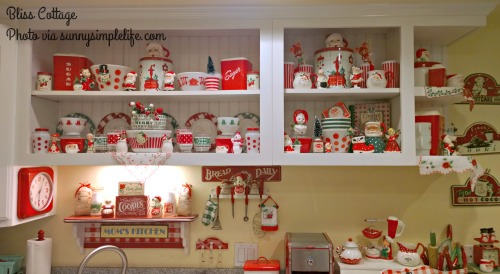 vintage kitchen, Christmas, Fire King, Pyrex
