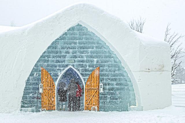 Québec City's Village Vacances Valcartier's Hôtel de Glace