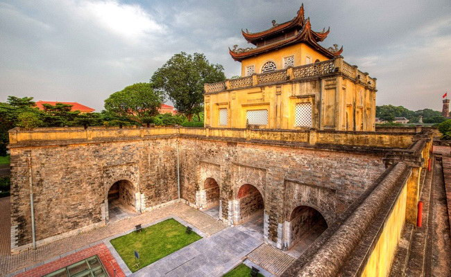Xvlor.com Imperial Citadel of Thăng Long is fort built by Ly Viet Dynasty in 1010