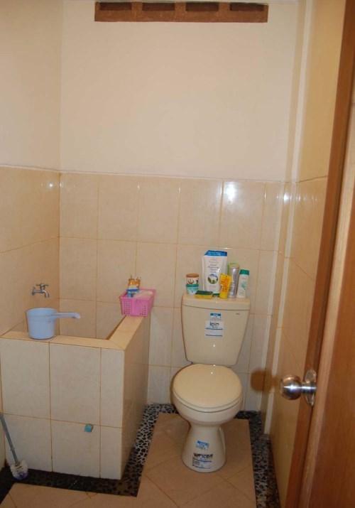 kamar mandi minimalis tanpa bathup