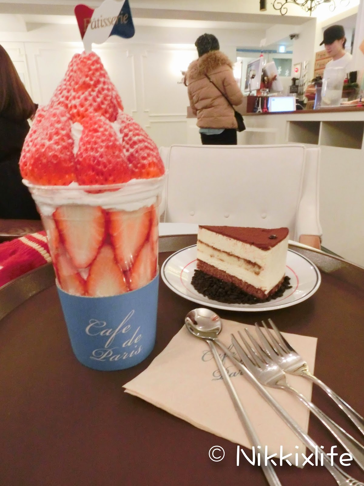 【首爾食記】新沙洞獨有的特色甜品:Cafe De Paris的草莓Bonbon 1