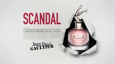 SCANDAL de Jean-Paul Gaultier. Madamme la ministre se suelta la melena.