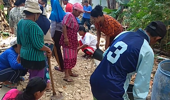 Warga Desa Maharayya Bontomatene, Rasakan Manfaat Program Padat Karya Tunai