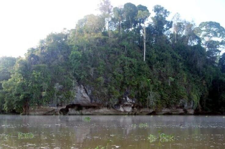 Mitos Bukit Batu Tomanggong Besar