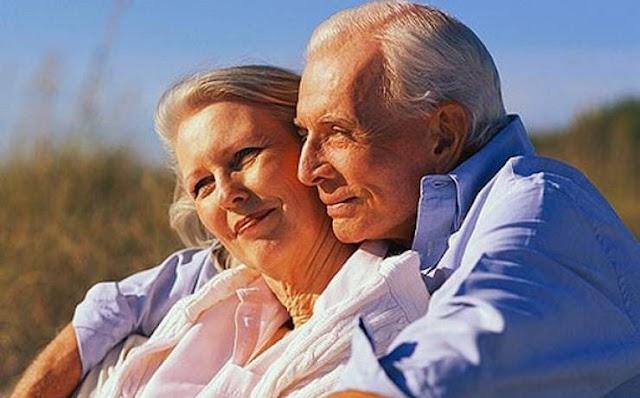 لماذا عمر النساء أطول من عمر الرجال؟