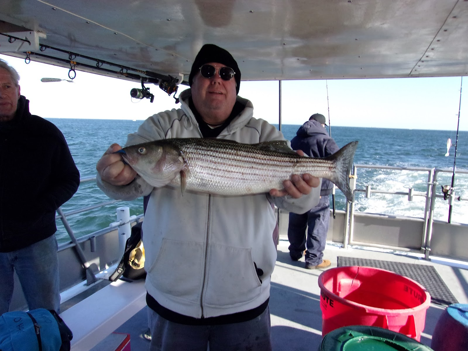 Jersey shore fishing striper bite holds up to north for Grumpy s fishing report