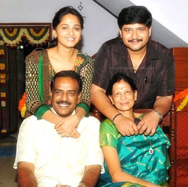 Anushka Shetty Profile Biodata Biography Family Photos