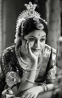 Keerthy Suresh in Saree with Cute and Awesome Lovely Expressions in Mahanati
