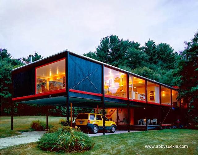 Casa residencial modernista norteamericana restaurada y actualizada