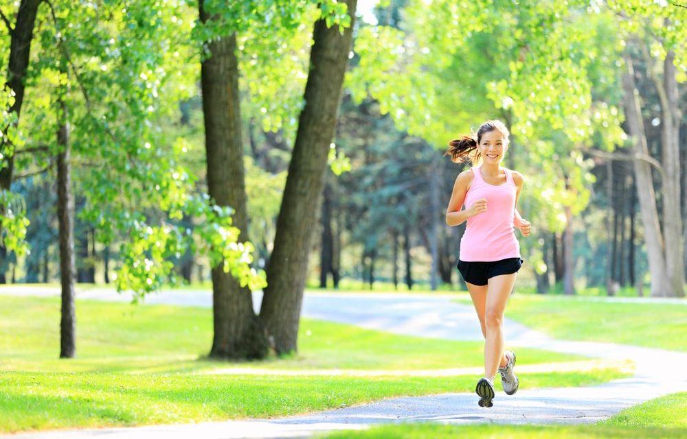 Correndo ou andando, qual é melhor para sua saúde?