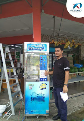 splasshy water vending machine