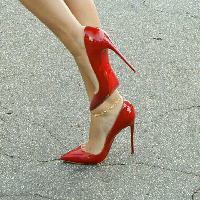 Truque para usar sapatos de salto sem sentir dor nos pés