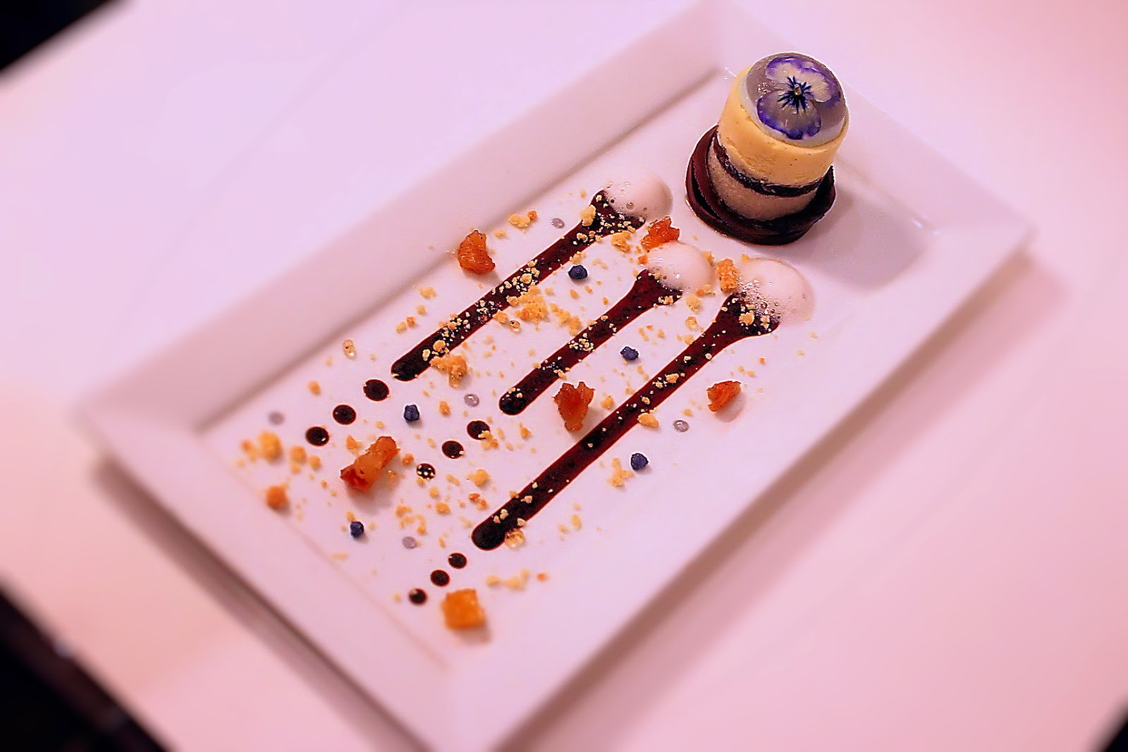 hundertachtziggrad°: Zum Dessert nackt auf dem Tisch tanzen