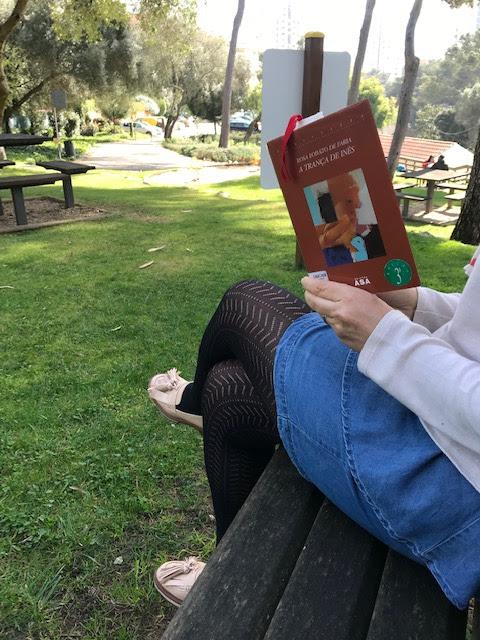 A Semana em Flashes armazem de ideias ilimitada miúda a ler no parque a trança de inês