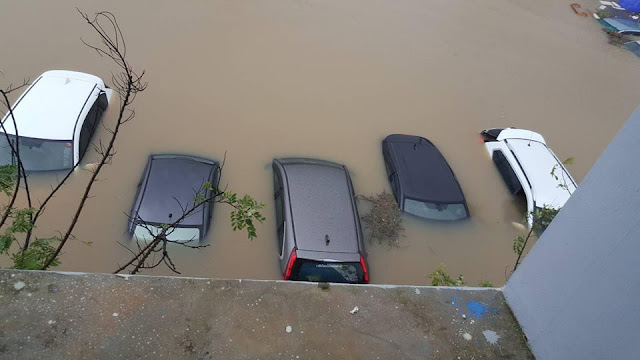 Машины под водой