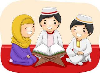 anak sedang belajar doa sehari-hari