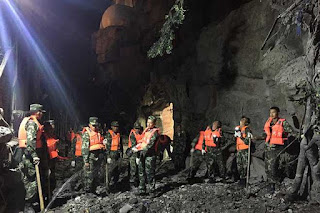 quake-in-china-s-sichuan-kills-13-including-tourists-injures-175