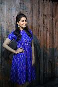 Rashi khanna new dazzling photos-thumbnail-9