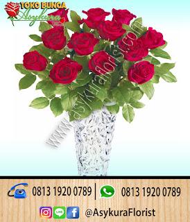 Rose In  Vase Toko Bunga Bekasi Bunga Meja