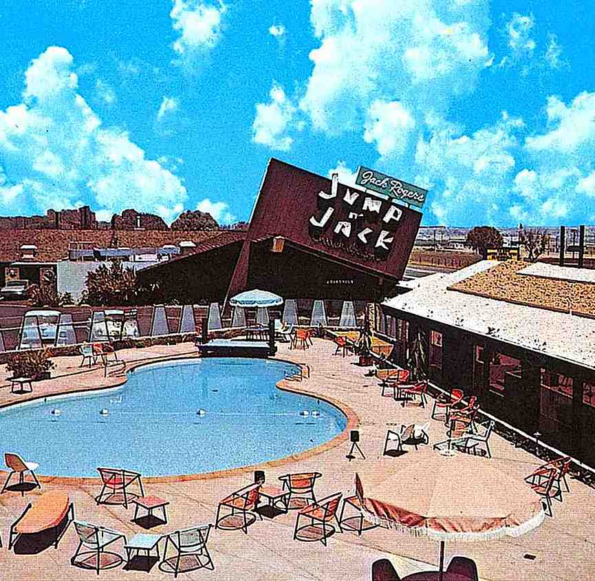 "a color photograph of a 1950s motel, ""Jack Rogers' Jump 'n Jack"""