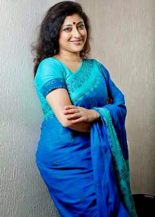 Lakshmi Gopalaswami in sari
