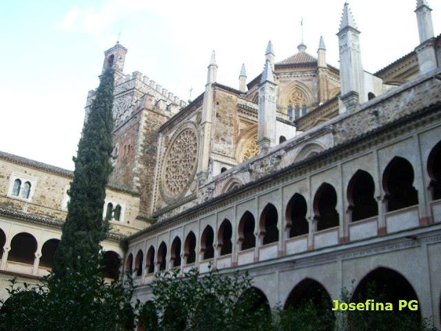 Claustro del Real Monasterio de Santa María de Guadalupe, Cáceres
