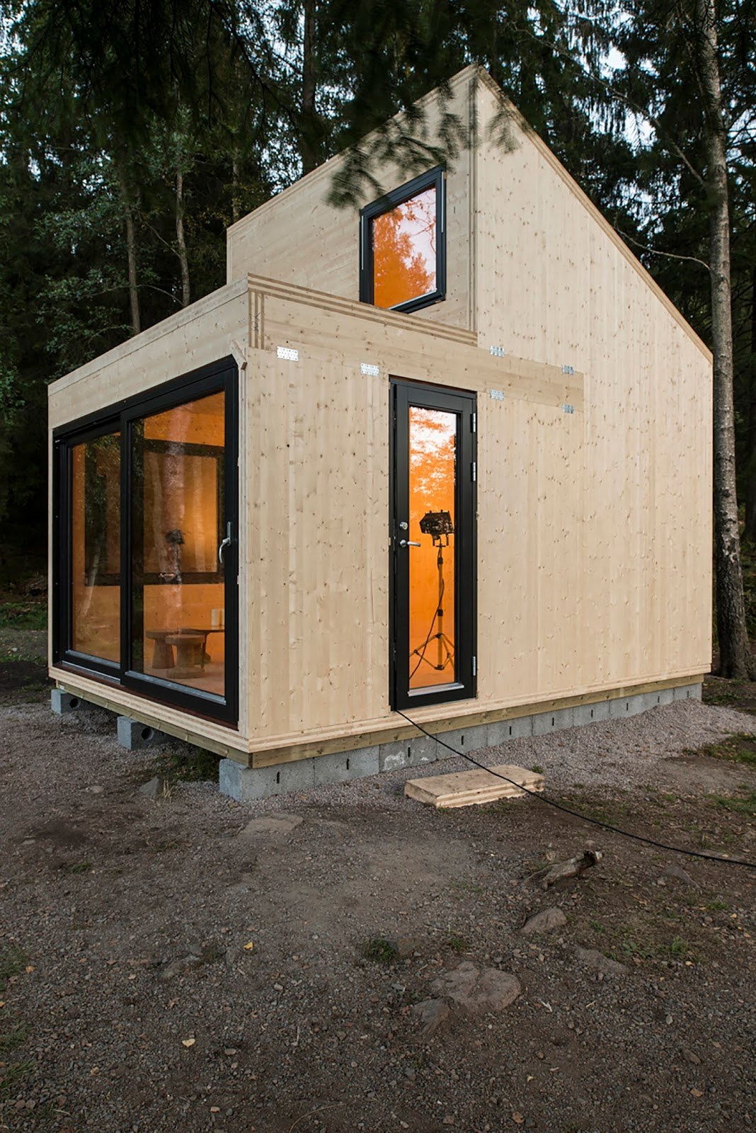 Tiny house town woody15 a 183 sq ft norwegian cabin for Contemporary tiny house