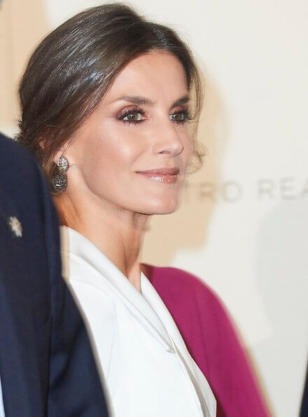 Letizia wore Felipe Varela dress, Manolo Blahnik slingback pumps, Grisogono black diamond earrings, diamond bracelet