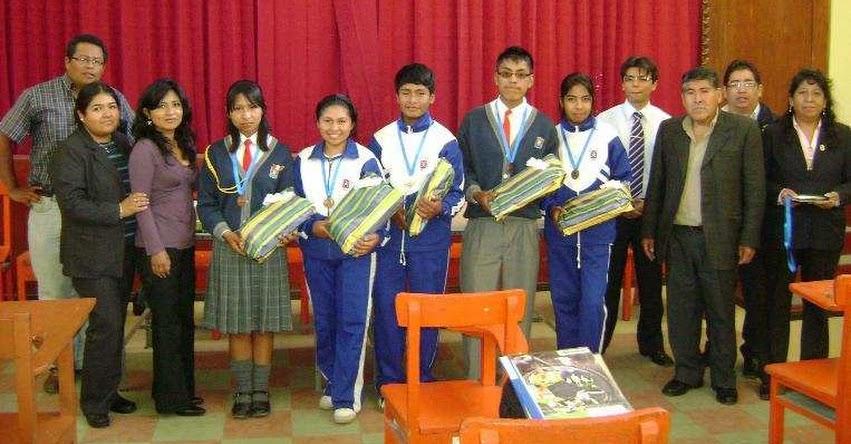 Resultados VIII Olimpiada Nacional Escolar de Matemática ONEM - 2011 (UGEL Sánchez Cerro - Moquegua)