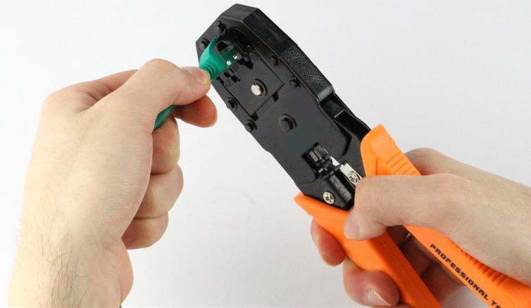 Membuat kabel LAN straight menggunakan standar T568B