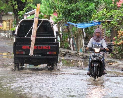 Baru beberapa Jam Hujan, Drainase ,Sudah, Penuh, Jalanan, Sudah, Ada ,Yang ,Tergenang