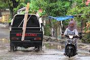 Baru beberapa Jam Hujan, Drainase Sudah Penuh, Jalanan Sudah Ada Yang Tergenang