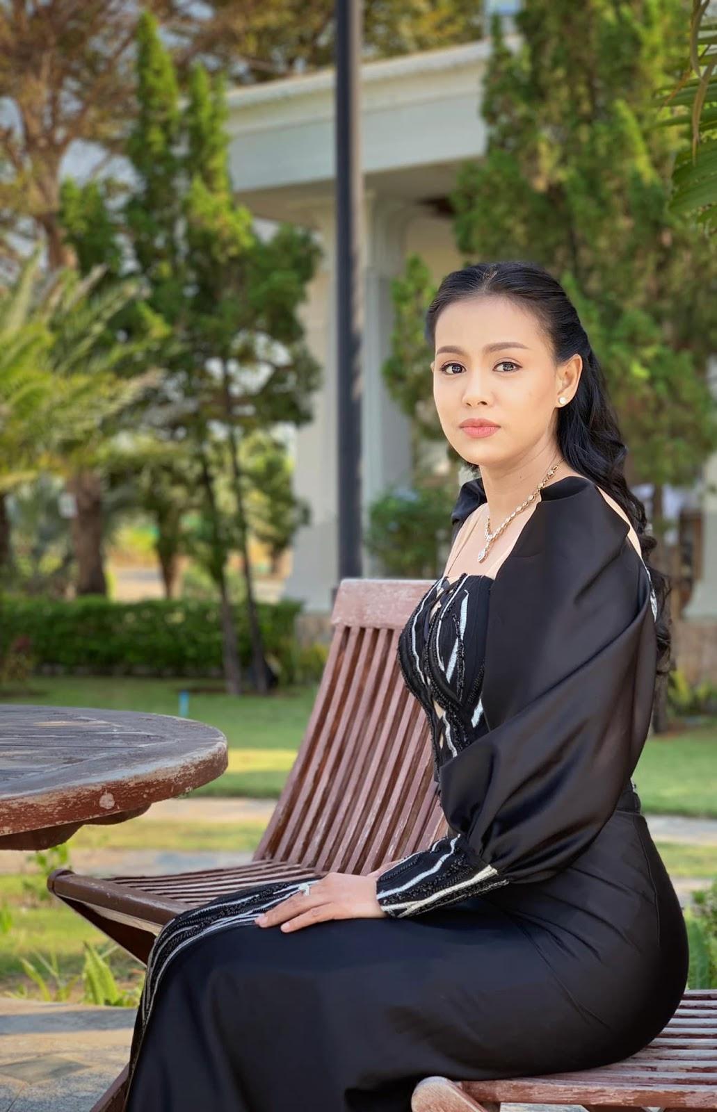 Ma Aye Thaung in Nay Pyi Taw Photos ( Aye Wut Yi Thaung-16