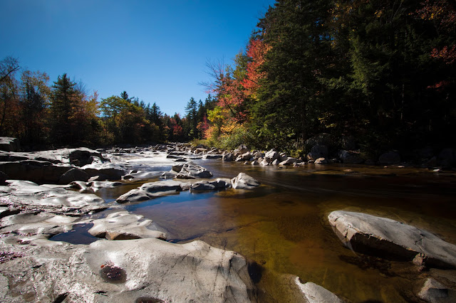 Foliage-Rocky gorge-Kancamagus Hwy e White mountains