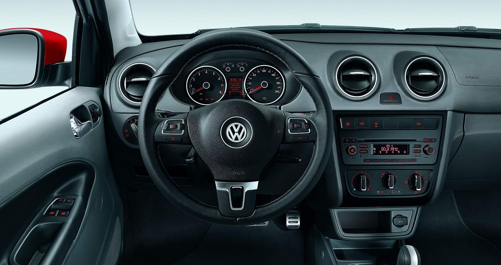 Volkswagen Voyage 2016 - painel