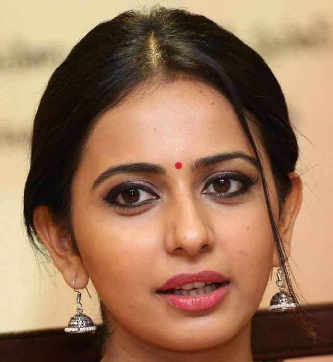 Tamil Actress Rakul Preet Singh Beautiful Funny Face Closeup Stills