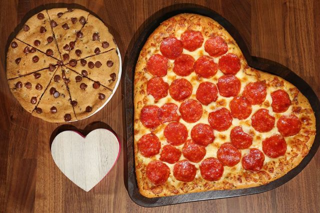 Heart Shaped Pizza Returns At Pizza Hut For 2018 Valentine