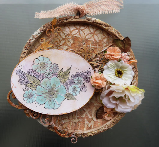 Altered cross stitching hoop - Cercle de broderie modifié