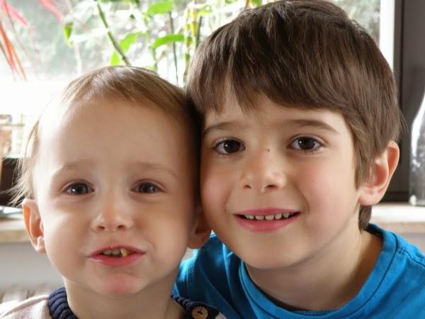 Jonathan und Jakob - innige Bruderliebe