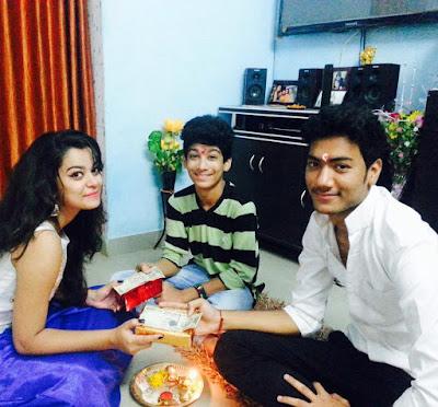 nidhi Jha family photo